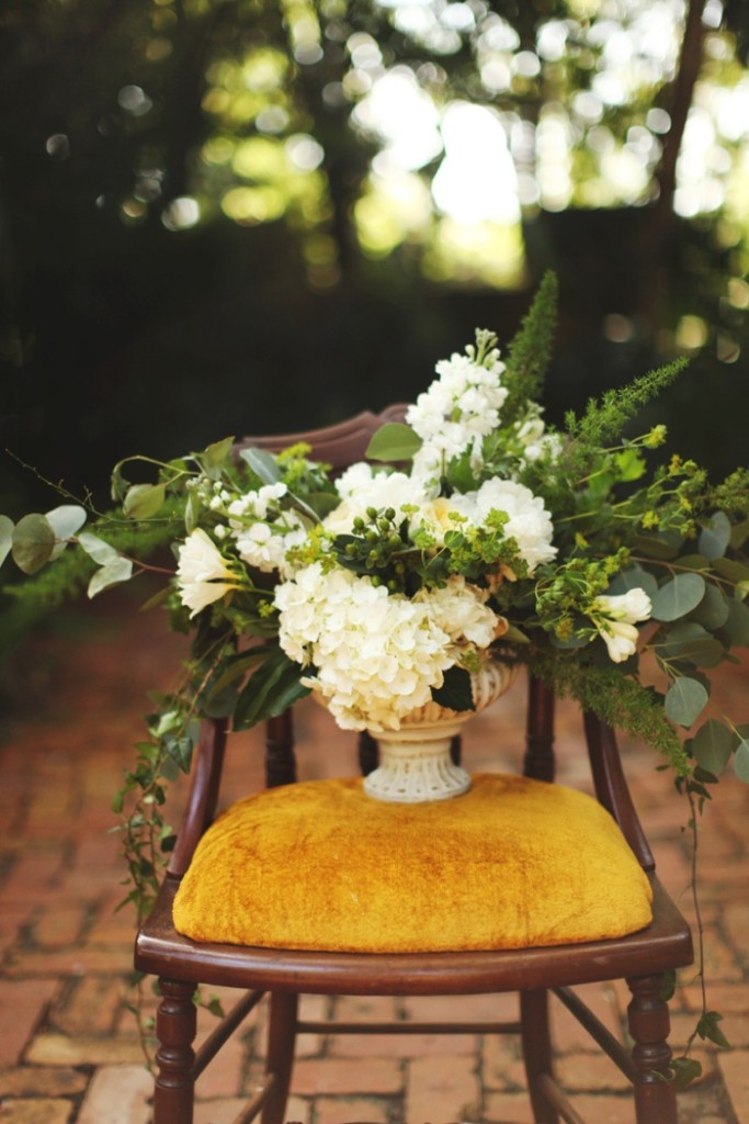 Vine and Light_Flower Arrangement