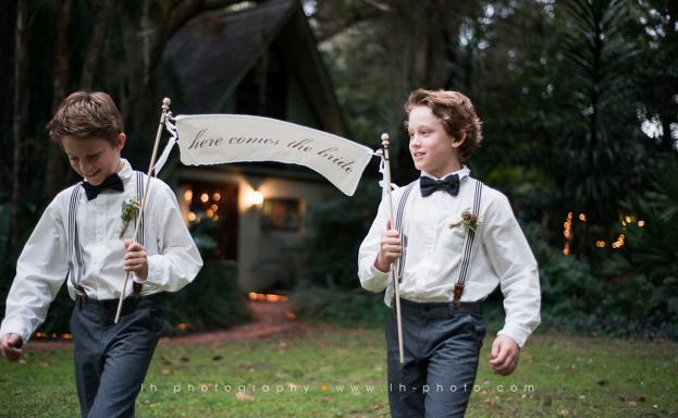Vintage-Wedding-Sign-LH-Photography-Wild-Acres-A-Chair-Affair-Event-Rentals