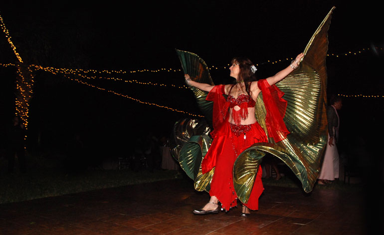 belly-dancer unique wedding